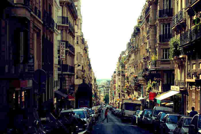 パリ18区にある一番高い丘の上にある街、モンマルトル。