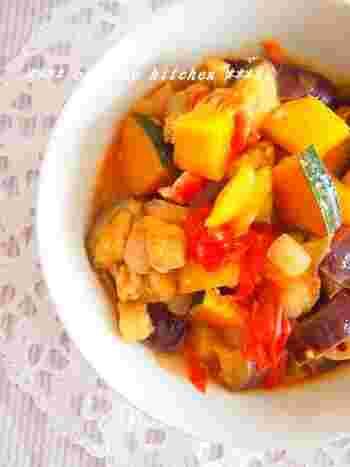 和食のイメージが強い油揚げですが、実は洋食にも使うことができちゃうんです。たっぷりお野菜と一緒に煮込んで、彩り豊かなラタトゥイユに挑戦してみませんか?