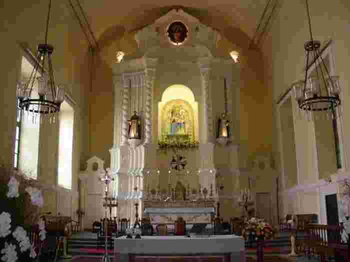 聖ドミニコ教会は、1587年にドミニコ会スペイン人修道士によって建てられた教会で、祭壇には「バラの聖母像」と呼ばれる聖母マリア像が祀られています。そのためこの教会は、別名「バラ教会」と呼ばれているのだそうです。