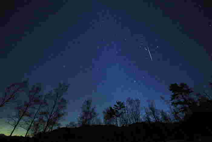 暗くなった帰り道、街中で空を見上げて星を探しても数えられるほど…今年の夏は、満点の星空に包まれる場所に思い出を作りに出かけませんか。