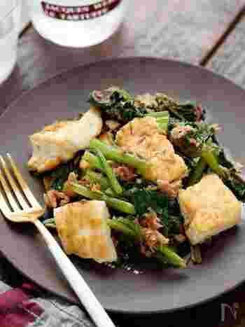 こちらも似たような食材で作ることができるレシピ。ツナに調味料を合わせることで洗い物を減らしつつ、オイルごとしっかり味つけするのがポイントです。