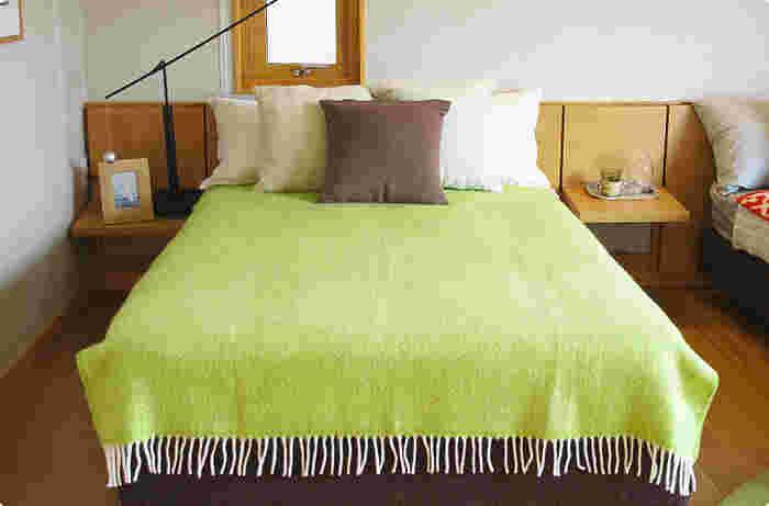 こんな大きなサイズのブランケットもあります。  ベッドカバーなど、寝具としても使用可能ですよ♪