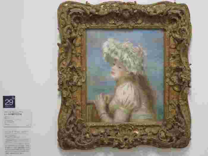 「ポーラ美術館」は、モネやゴッホ、ルノワールといった世界的に有名な印象派の画家らの作品を中心とした美術館ですが、藤田嗣治や杉山寧、岸田劉生などの日本近代画家の作品やガラス工芸作品等など、世界的に価値の高い、多様な作品を所蔵しています。【印象派の名画コレクションの一つ、ルノアール作『レースの帽子の少女』】