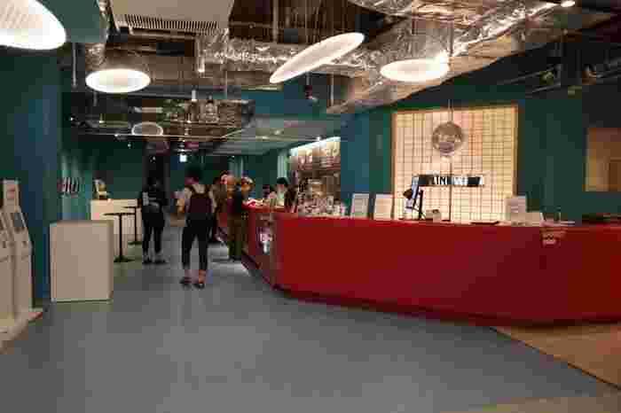 2018年冬に、パルコの地下2階にオープンしたミニシアター。ギャラリースペースも併設された、アートな空間になっています。
