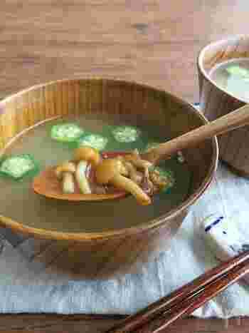 ぬめり成分には胃腸を守る効果が期待できると言われているので、暑さで食欲が落ちていたり胃が弱っている時には、ぜひ食べてほしい一品です。冷房環境で冷えた体を、ほっこりと温めてくれますよ。