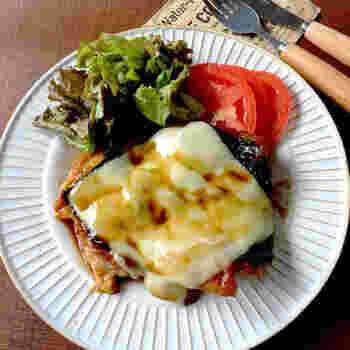 より手軽に、たくさん海苔を消費したいのなら、照り焼きにするこちらのレシピがおすすめです。甘辛味と海苔チーズの組み合わせが絶妙。ぜひ一度試してみてください。