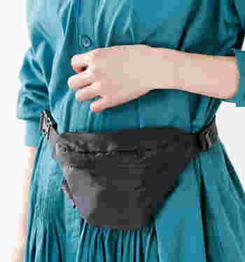 程良いサイズ感で、軽さが魅力の「MELO(メロ)」のウエストバッグです。ベルトの長さを自由に調節できるので、男女問わずユニセックスに使えます。5色展開なので、家族や友人と色違いでお揃いで持っても◎