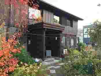札幌市中央区宮の森にある「大倉山月見想珈琲店」は森の中に佇み、ゆっくりとした時間を過ごせるお店です。