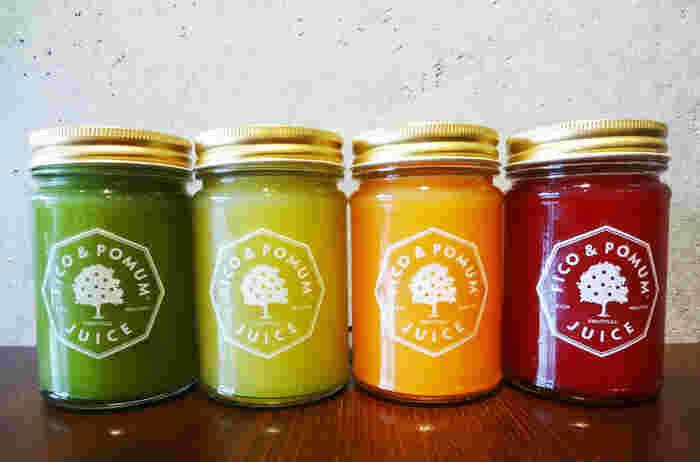 """""""リッチ、ヘルシー、フルーツフル、おいしくて誰にでも毎日楽しめるもの""""をモットーにしています。色鮮やかな生鮮野菜と果物だけをオーダーごとに搾って作る100%フレッシュなロージュース。"""