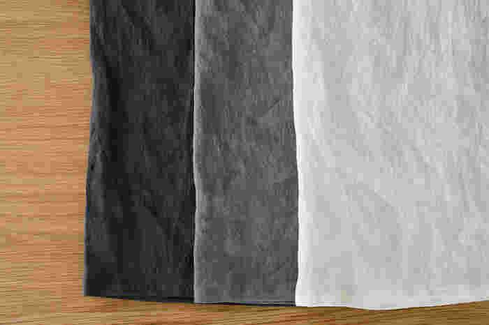 浜松で織られたリネンを100%使用したキッチンクロス。シャリ感のあるナチュラルなリネンの風合いが素敵ですね。