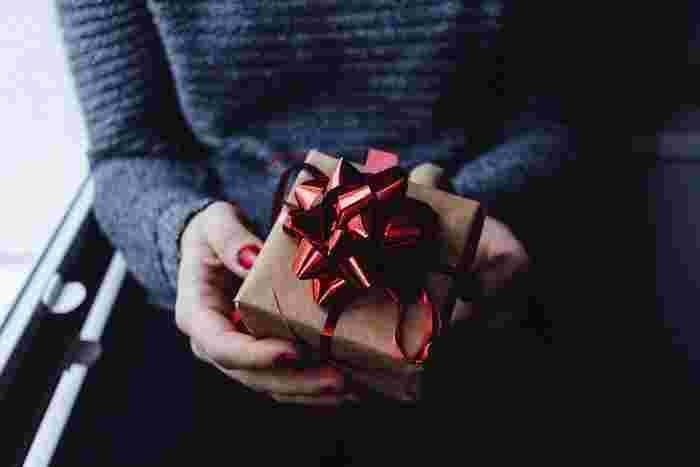 友達の誕生日や、恋人との記念日。特別な日には、相手に喜んでもらえるお祝いをしたいですね。「プレゼントだけじゃ物足りない・・」そんなときにはサプライズをしてみましょう。  そこで、誕生日や記念日に喜んでもらえるサプライズのアイディアを集めました。「喜んでくれるかな?」とワクワクしながら準備するのは、自分も楽しいもの。ぜひ参考にして素敵な思い出を作ってみてはいかがでしょうか。