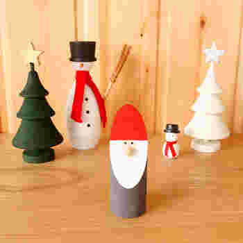 赤と白のサンタクロースはクリスマスをイメージさせる定番デザイン。ミニマムなデザインがオシャレです。