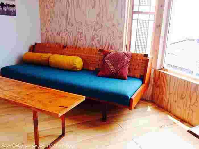 くつろげるソファ席もありますよ。