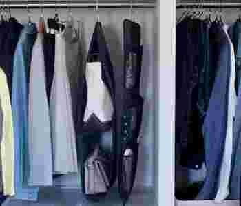 クローゼットでも「吊るす収納」は大活躍!洋服ハンガーはもちろんのこと、専用のポケットハンガーがあればバッグやストールなどの小物類も省スペースですっきりと収納できますね。専用ハンガーがない場合は、S字フックを連結すれば同じような吊るす収納が叶います。