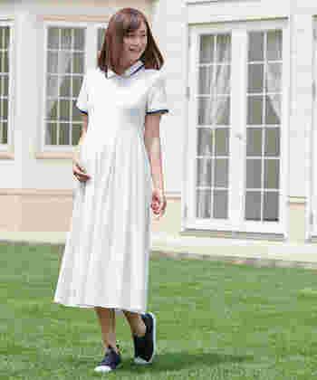 ポロシャツタイプのワンピースは、締め付けの無い生地感で着心地はストレスフリー!襟付きできちんと見せつつも、あくまでカジュアルな印象のポロシャツ生地ですので、気取らず着られて嬉しいですね。