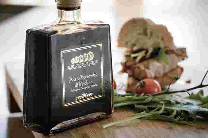 バルサミコ酢は実はイタリア生まれの調味料。サラダやパスタなど様々な調理に使えるおしゃれなバルサミコ酢をお土産に選んでみてはいかがでしょうか。