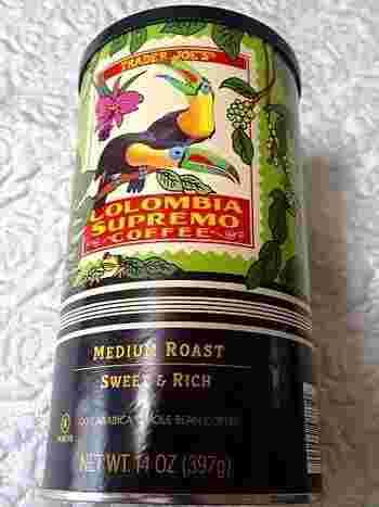 こちらはオーガニックのスマトラコーヒー豆。お店にあるグラインダーで豆を挽くので風味も良いです。