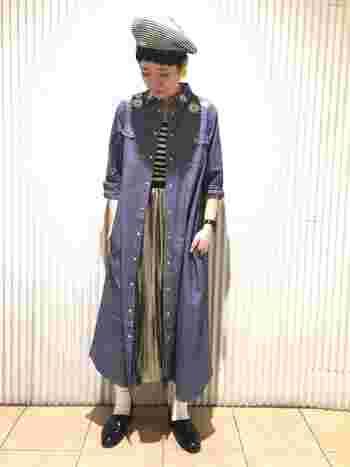 シンプルなダンガリーロングシャツワンピも羽織りとしてたくさん使えます。