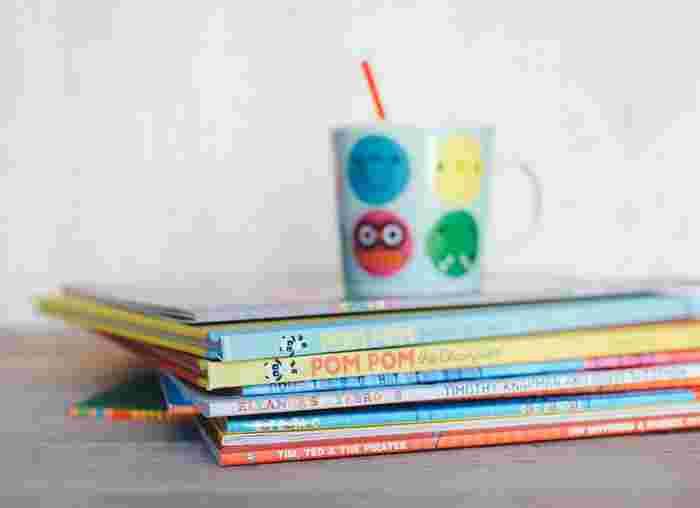 幼いころからの絵本の読み聞かせは、子どもの感性をはぐくむ上で大切ですが、成長に合わせてどんどん増え続けていく絵本に頭を悩ませている親も多いようです。