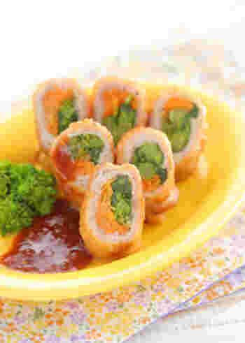 薄切りの豚肉で菜の花と人参を巻いて、梅ドレッシングを添えます。さっぱりとした風味で、おかずにもお弁当にもおつまみにもぴったりです。