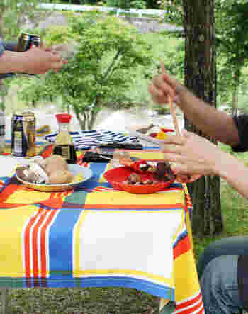 一年に数回のキャンプのためにアイテムを揃えるのもワクワクするけれど、お家でも外でも使えるアイテム選びをするのも賢い選択です。外でも使える賢いアイテムをさり気なく集めて、今年のキャンプを充実させよう。