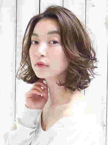 かきあげ前髪を作る方法はさまざま。 おすすめのアイテムや手軽なやり方まで、早速見ていきましょう。
