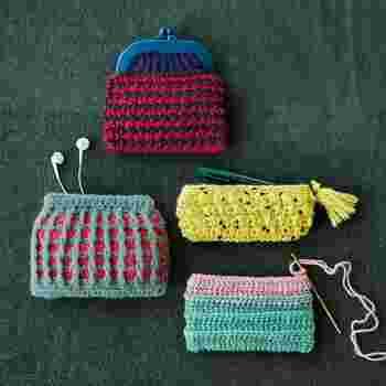 毛糸、がまぐちなどの手作りキットと作り方説明書が毎月1回、6種類の中から、1種類ずつ届きます。インナーポーチやばねぐちなどの取り付けも簡単にできるので、縫製が苦手な方でも手軽に素敵な小物を作ることができます。