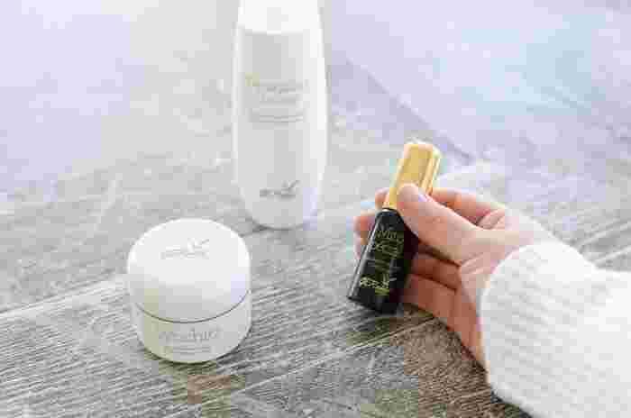 化粧水前の1STEPで格上げ【肌質&年齢別】おすすめ導入美容液&選び方