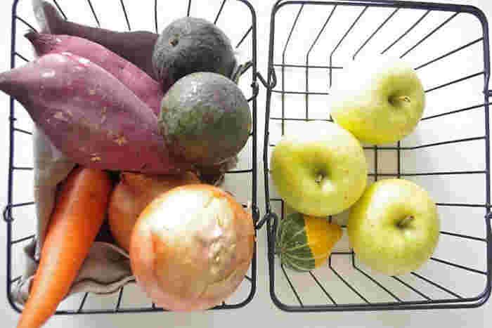 根菜類を収納したり、秋冬はくだものを入れたり、中に何が入っているか見えるので在庫管理がしやすいですね。