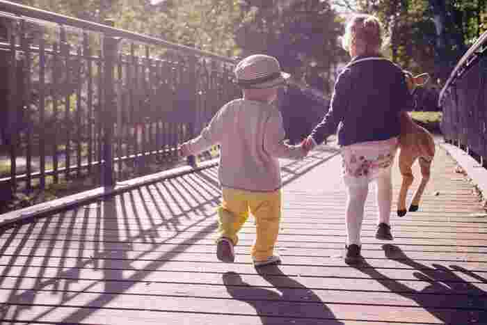子連れだからといってお出かけをあきらめるのではなく、子連れだからこそ安心して出かけられる場所を決めることが大切ですよね。いろいろな人や環境に触れることで子どもはどんどん成長していきます。 今回ご紹介したカフェだけでなく、子どもと一緒にどんどんお出かけを楽しんでみませんか?一緒におやつを食べたりランチを楽しむことで、大人も子どももかけがえのない思い出ができるはずです。ぜひゆったりとお子さんとの時間を楽しんでみてはいかがですか?