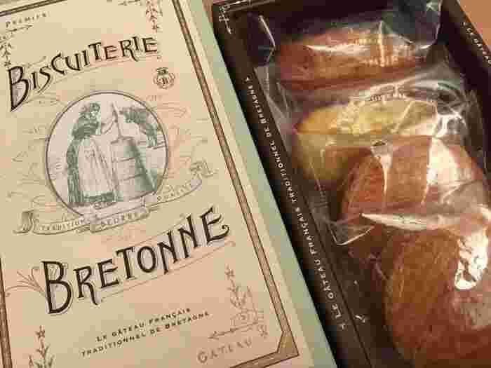 「ガレット・ブルトンヌ アソート」は、お店で人気のある3種類の焼き菓子の詰め合わせ。 ザクザクとした食感の厚焼きクッキー「ガレット・ブルトンヌ」、バターのコクとアーモンドプードルの香ばしさを閉じ込めた「フィナンシェ」、さわやかなレモンの香りがアクセントの「マドレーヌ」がセットになっています。  オンラインショップでは4~22個入りまであるので、シーンや目的に応じてチョイスできます。