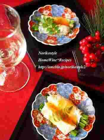 簡単レシピですが、生湯葉を使うと少し贅沢気分が演出できますね。 お家でのパーテイーや季節の行事の際にも重宝する一品です。