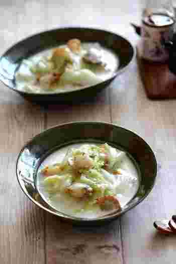 ほたての旨味が濃縮されたクリーム煮。牛乳の一部を生クリームにすると、よりコクが増すそうです!