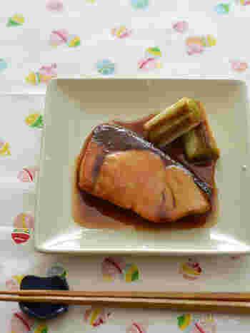 煮魚の王道。短時間で簡単にできるうえ、ごはんのおかずにも、お弁当にも、おつまみにも合う最強メニューです。