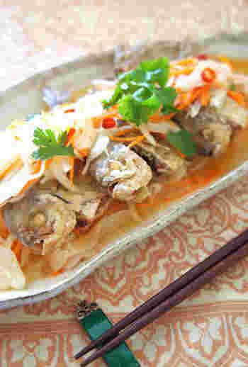生姜とレモンで、さっぱりとした風味を楽しめる一品。アジアンテイスト満載、ナンプラーやパクチーが嫌いな人も好きなるレシピ!?だそうです。