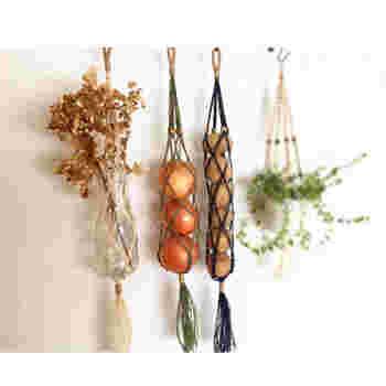 縦に一個ずつ並べて保存できるネットは風通しもよく、傷んだ野菜をすぐに見つけることができるのでとっても便利。コンパクトに収納できるので、小さめのキッチンにもぴったり。