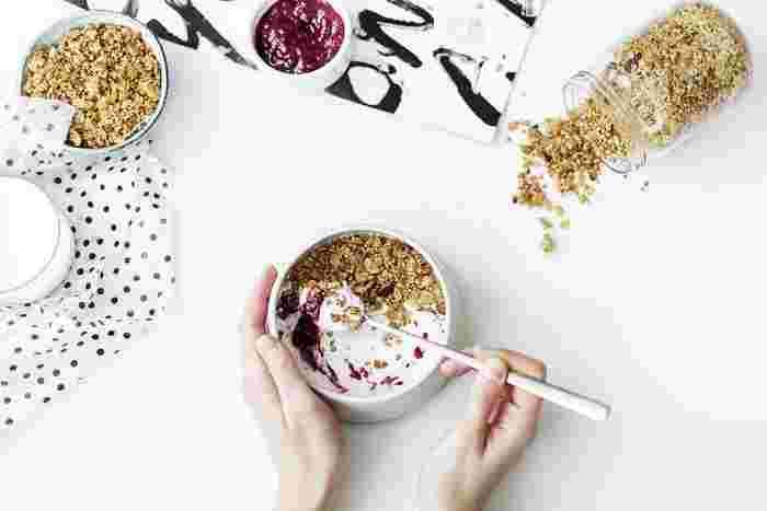 「食べる」ことは毎日のことで、とっても身近にあるものです。だからこそ、朝ごはんのワンパターン化や単品だけの食事など、忙しい毎日においてなるべく簡単に手間いらずに済ませてしまいたいというのも本音です。