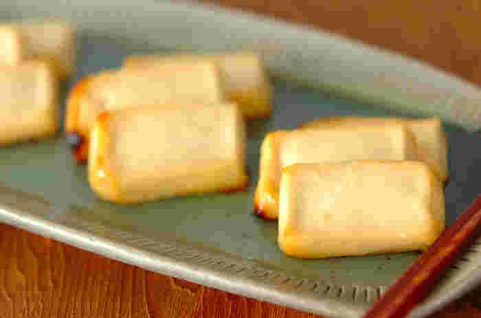 人に欠かせない植物性たんぱく質の宝庫、豆腐のチーズのような濃厚な味わいのレシピ。絹ごし豆腐と西京みそでできてしまいます。お酒のおつまみにも合いそうなご飯が進むお豆腐のおかずですね。