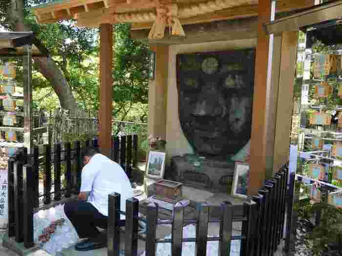 """公園内の寺社仏閣、史跡は、拝観料が要らず、無料で参拝、見学が出来ます。 (※但し、「上野東照宮」の拝観は無料だが、""""透塀の内側""""の「社殿外観の拝観」と「ぼたん苑」は、有料。)"""