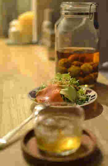 手早く水が切れるだけでなく、サラダスピナーを使うと葉物も水をしっかり切ることができてシャキシャキ感がアップします。そしてサラダが水っぽくなりにくいのでドレッシングが薄まらずに美味しくいただけます。