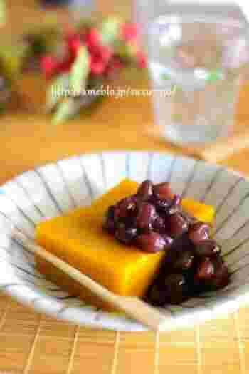 夏野菜「かぼちゃ」の甘味がいかされた水ようかんレシピ。お砂糖はほんのわずかしか入れないので低カロリーです。食物繊維も豊富なので健康的に、そして甘いものでも罪悪感なく食べられる和スイーツレシピ。
