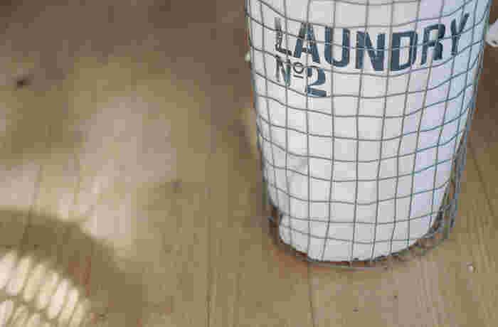 1枚のネットにたくさんの衣類を入れると 汚れが落ちにくくなったり、衣類どうしの接触で 生地が傷んでしまうことがあります。 面倒ですが、大切な衣類のために、洗濯ネット1枚につき 衣類は1着にしましょう。