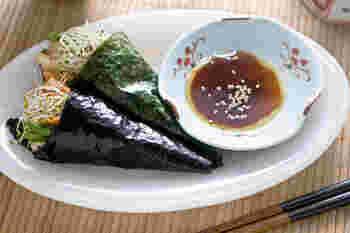 こちらは韓国風の、キムチを入れたヘルシーな手巻き寿司。ごま油の香りが食欲をそそります。