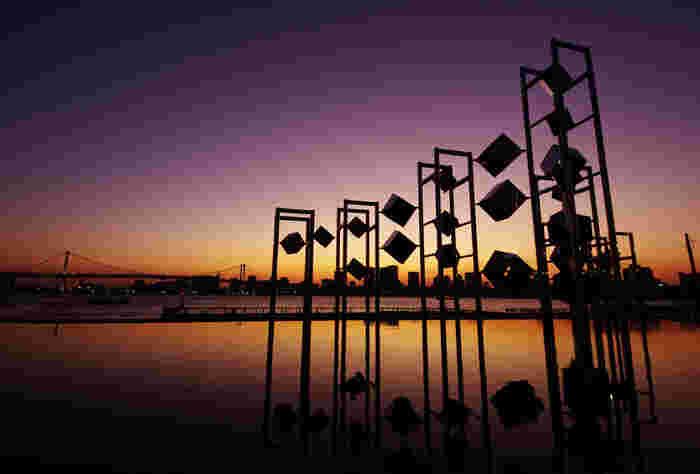 日暮れ直前の幻想的な景色。