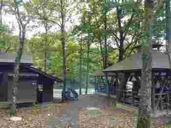 河川敷では芋煮会やバーベキューを楽しむ姿もみられ、「キャンプには行きたいけれど温泉にも入りたい」という方やキャンプ初心者の方の願いも叶えられますね。