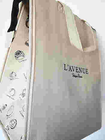 オリジナルの保冷バックにはお店で扱っているスイーツの絵柄が。 とっても上品でお洒落なデザインですね。