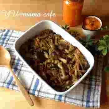 醤油きのこ。お好きなきのこと醤油で炒めるだけの常備菜。きのこの旨みが十分出ているので、卵スープに入れるもよし、ぶっかけうどんの具にしてもよし、お肉とあえてしょうゆ風味に仕上げても相性は抜群ですよ。