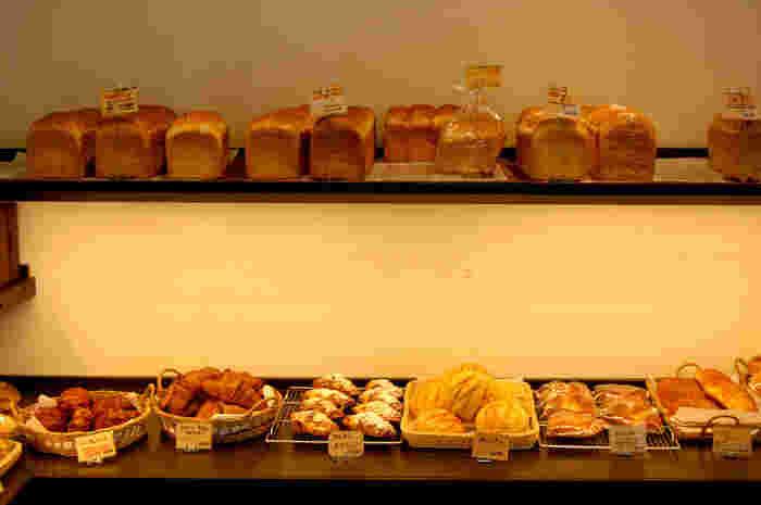 食べる機会が多い食パンは、食感や味を変え、9種類も揃います。これなら毎日食べても飽きないですね♪他にもオーガニック原料にこだわったパンや、卵・乳製品不使用のパンなどがあるので、お子さまのいるママさんにもおすすめです。