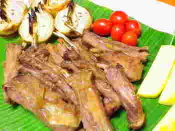 バラ肉のラムスペアリブは、ロース肉のラムチョップに比べて、コクがあります。醤油麹など和の調味料を使うのも、さっぱりしておすすめ。