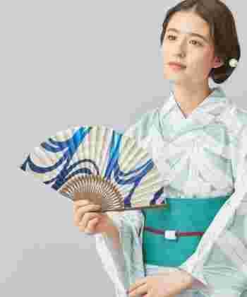 """爽やかな音色で涼を運ぶ風鈴や、夏の暮らしに欠かせない蚊やり器、日本独自の粋なスタイルを楽しめる浴衣など。 そんな和のインテリアや装いを暮らしの中に取り入れて、暑い夏の日々を""""心豊かになれる素敵な毎日""""に変えてみませんか?"""